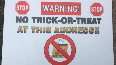 butts-county-sex-offenders-file-suit-over-sheriff's-'no-trick-or-treat'-signs,-oct-22,-2019-…-georgia-state-law-prohibits-registered-sex-offenders-from-placing-halloween-decorations-on-their-property.-the-yard-signs-the-sheriff-posts …