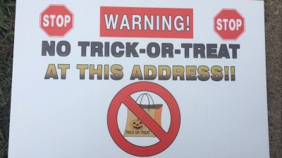 """wife-of-registered-sex-offender-says-'no-trick-or-treating'-sign-in-yard-…,-oct-30,-2018-…-georgia-state-law-prohibits-registered-sex-offenders-from-placing-halloween-decorations-on-their-property.-the-signs-have-the-universal-""""no""""…"""