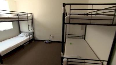 us-waives-fbi-checks-on-caregivers-at-new-migrant-facilities
